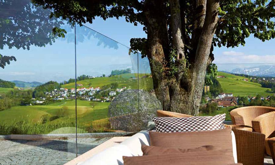 Wind- und Schallschutz mit Glas