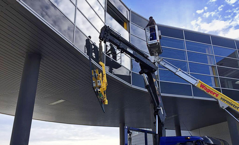 Bernd Späth - Glasfront Montagearbeit